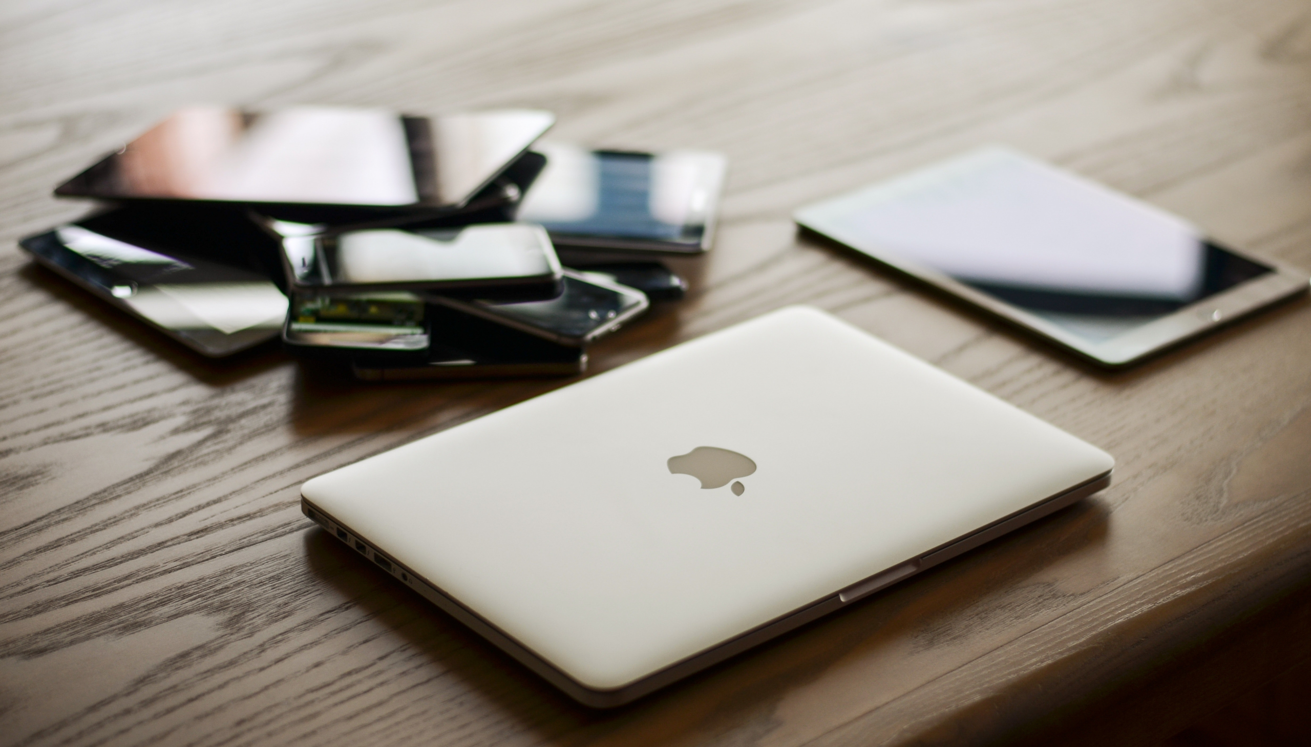 4 Easy Steps to Declutter Your Electronics
